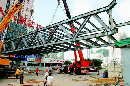 过街天桥-钢结构系列-案例展示-烟台松川建筑装饰有限